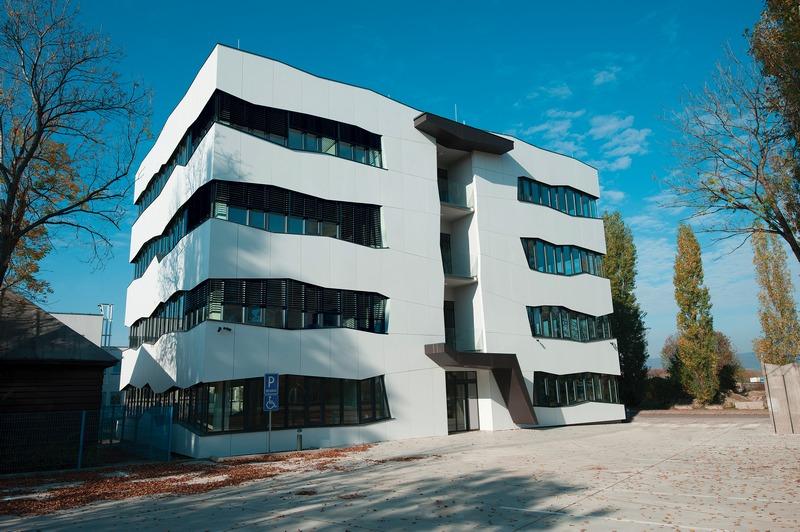 ATE, Bratislava, exteriérové žalúzie  | http://www.ksystem.sk/sk/produkty/zaluzie/exterierove-zaluzie/exterierove-zaluzie-prominent.html