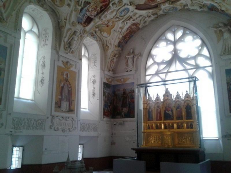 Bojnický oltár, Bojnice,  zatemňovacia roleta | http://www.ksystem.sk/sk/novinky/ojedinely-projekt-specificke-tienenie-bojnickeho-oltara.html