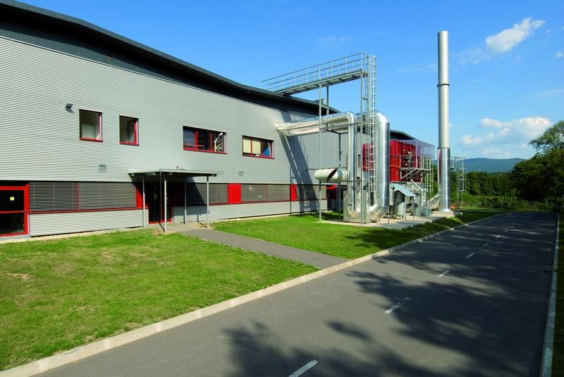Výrobný závod Tubex, Žarnovica, exteriérové žalúzie  | http://www.ksystem.sk/sk/produkty/zaluzie/exterierove-zaluzie/exterierove-zaluzie-prominent.html