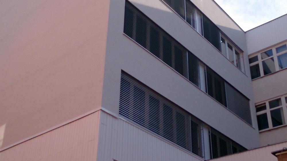 Krajský súd, Trnava, exteriérové žalúzie Prominent C-80