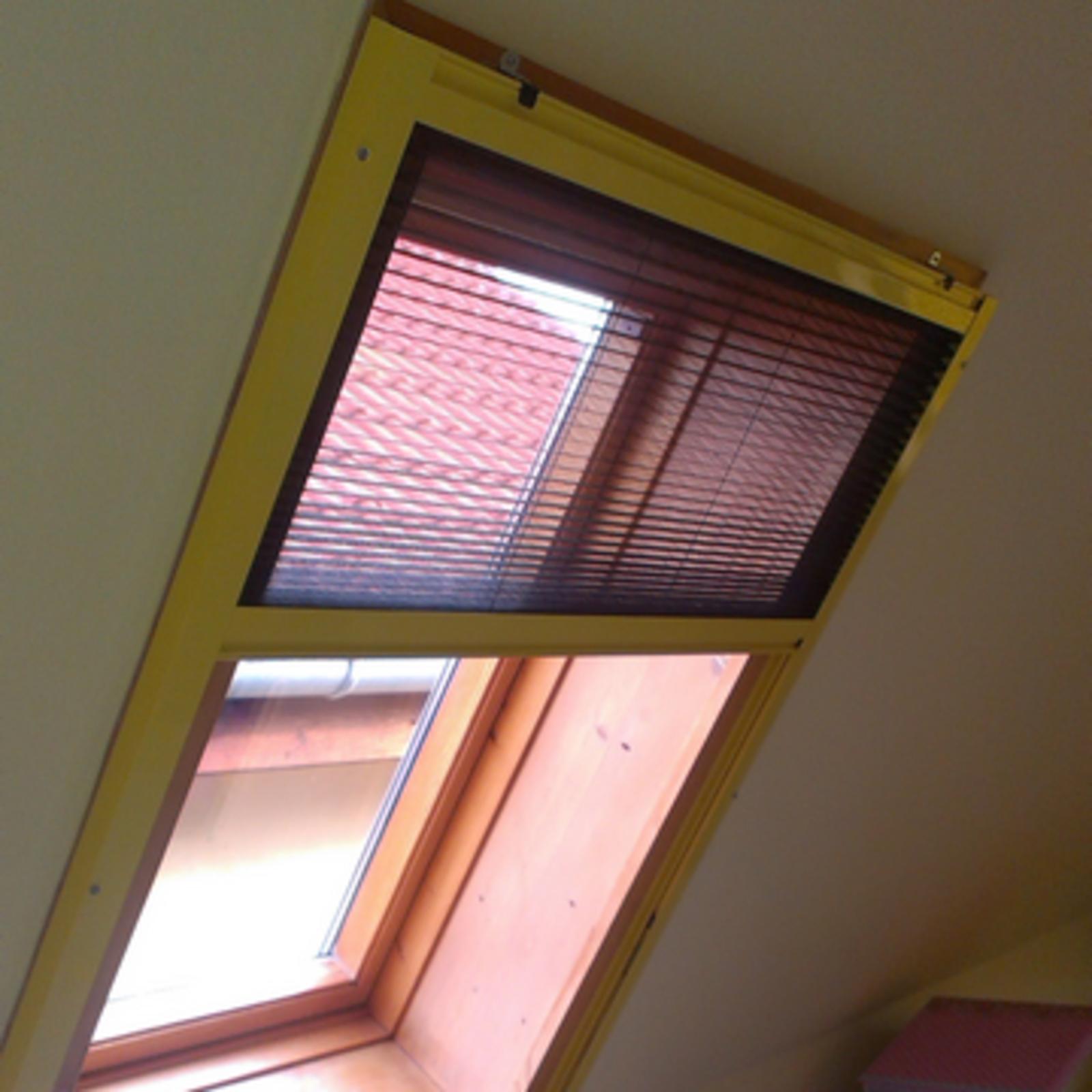 Plissiertes Insektenschutzgitter für Fenster POS | K-SYSTEM