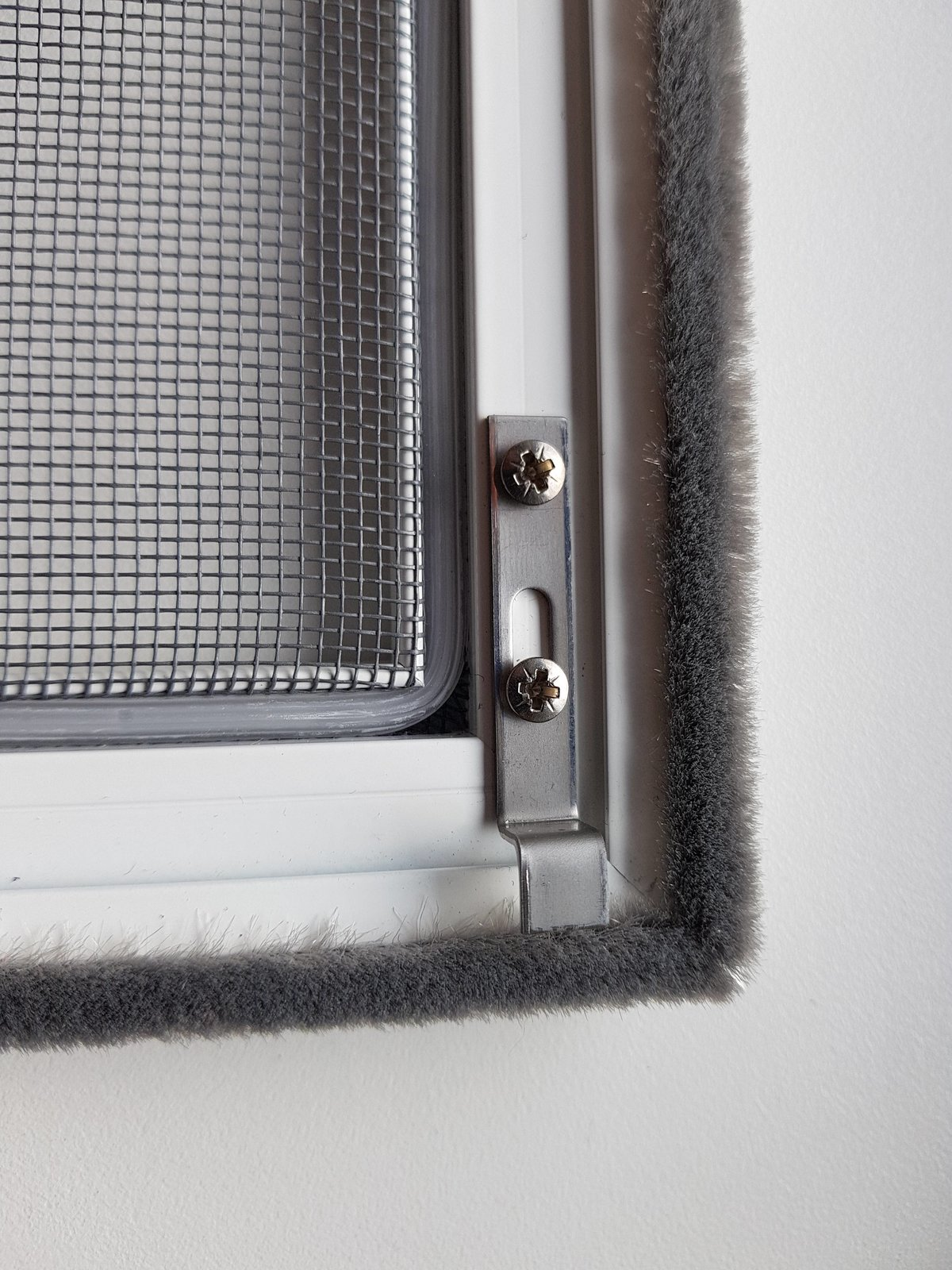 insektenschutzgitter f r fenster ps al k system. Black Bedroom Furniture Sets. Home Design Ideas