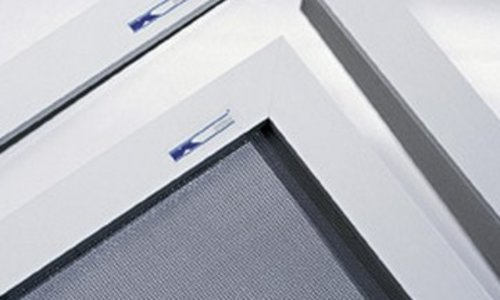insektenschutzgitter f r fenster insektenschutzgitter produkte k system. Black Bedroom Furniture Sets. Home Design Ideas
